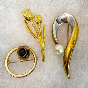 Set of Three Vintage Brooch Pins.